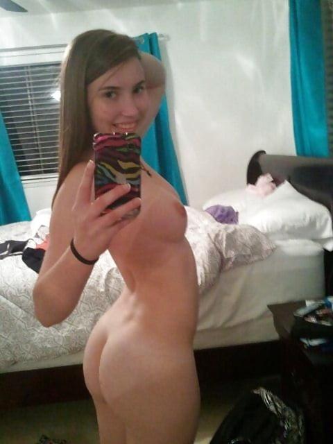 Hot Girls Loves Nude Selfies 7 - 50+ Hot Girls Loves Nude Selfies
