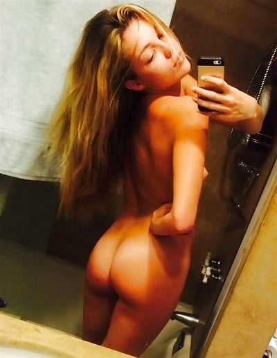 Hot Girls Loves Nude Selfies 8 - 50+ Hot Girls Loves Nude Selfies
