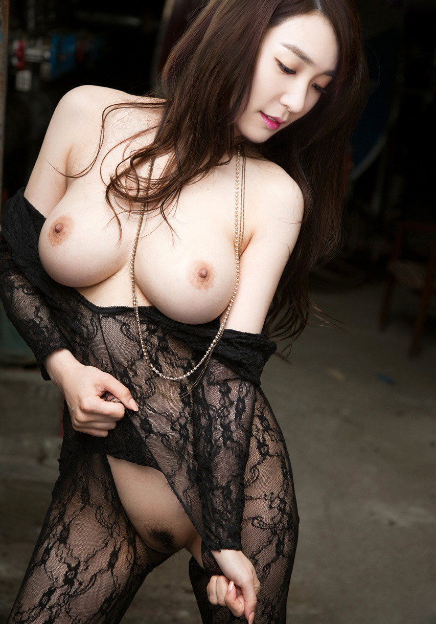 15 Hot Tiffany Snsd Nude Naked Beauty Big Tits