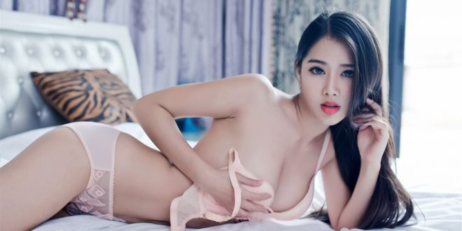 Sexy Chinese Model In White Micro Bikini A Bao Bao 啊宝宝 (Video)