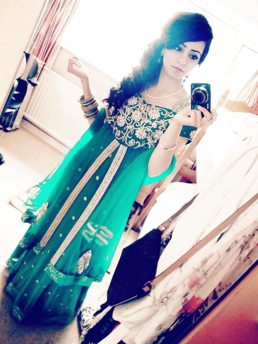 Sexy Paki Indian Teen Selfshot Boobs Hot Girl-9378