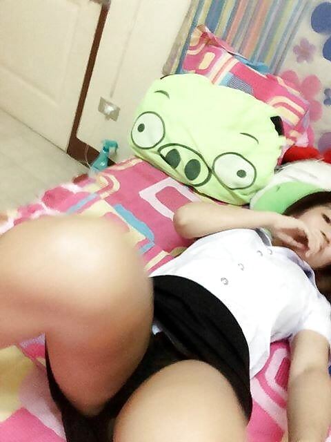 7rcS8d6wmBo - Cute & sexy asian girl selfie nude show pussy hot 2018