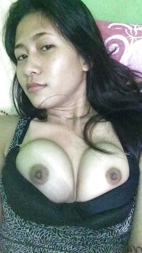 ep 4r6Lr5M4 - cute girl selfie nude hot with iphone 7 2018