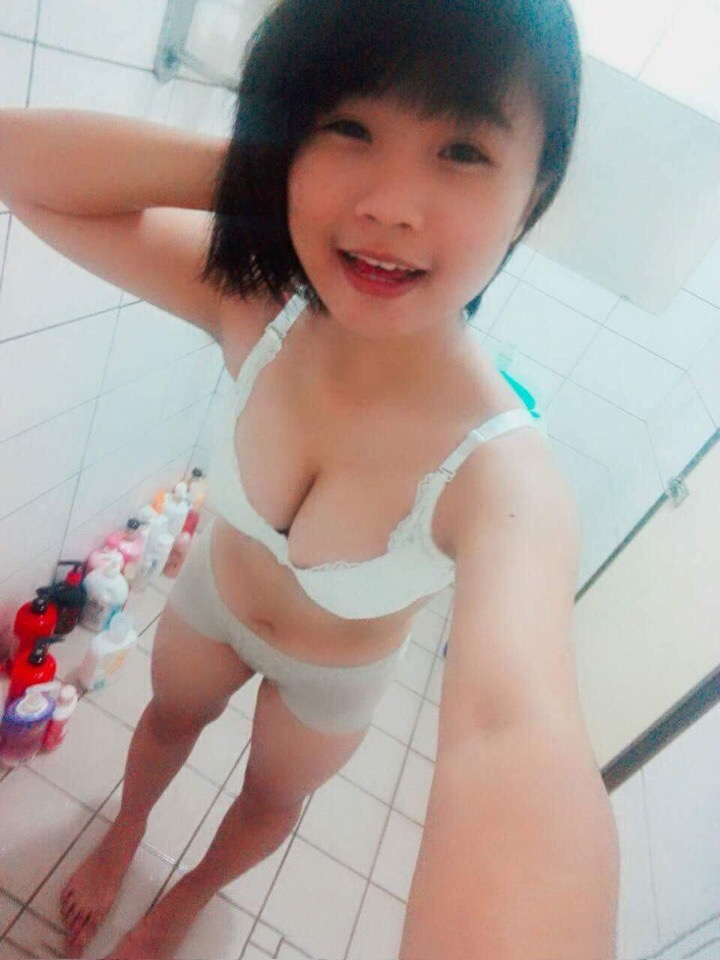 oYZOKDkKA50 - Asian chick selfie nude in bathroom 2018 horny