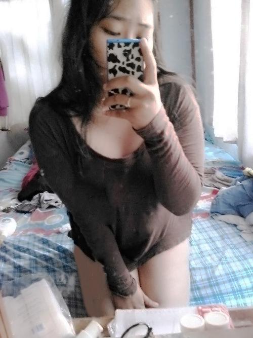 Cewek gendut toge 02 - Cewek indo gemuk memek tembem selfie bugil
