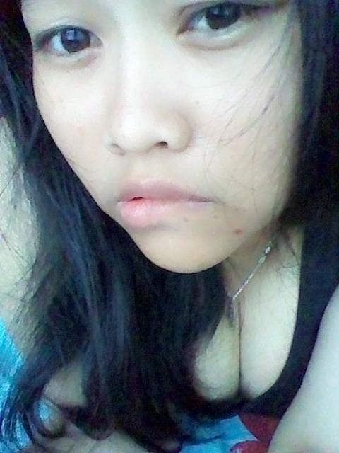 Cewek gendut toge 03 - Cewek indo gemuk memek tembem selfie bugil