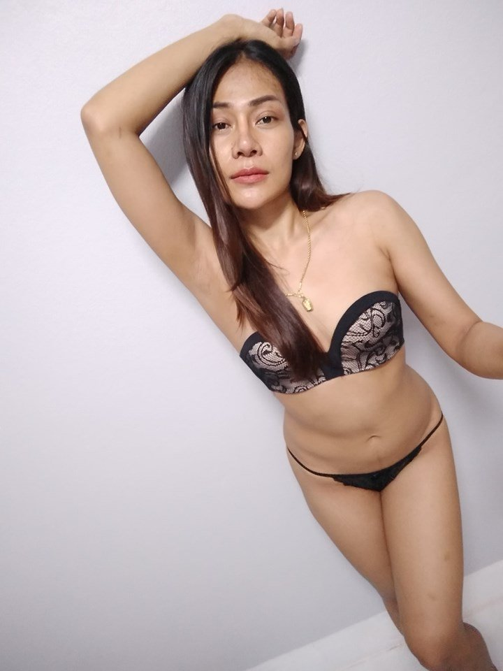 aoGR29YS2Kg - Sexy selfie with bikini thai girl hottes 2019
