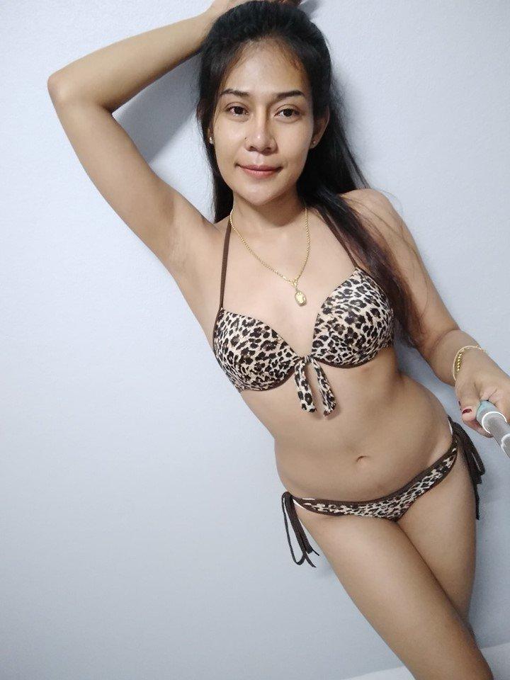 vT3hiB1KMr4 - Sexy selfie with bikini thai girl hottes 2019