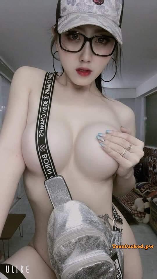 FB IMG 1583679439936 wm - Sexy selfie body asian cute big tits 2020