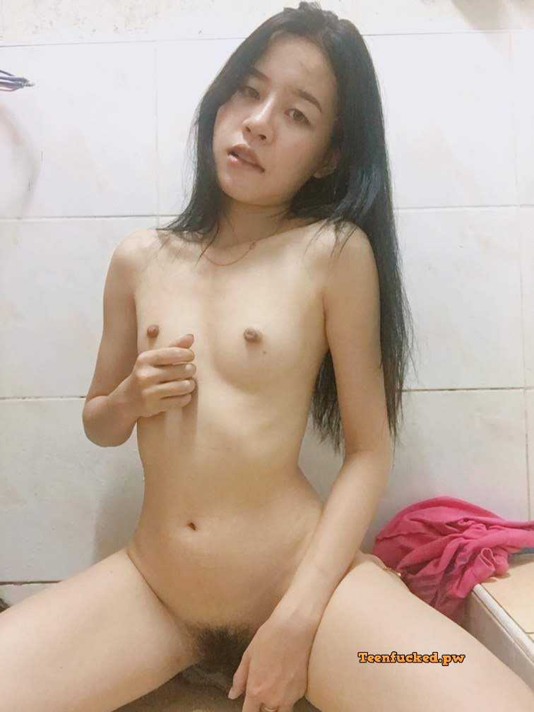 Wq6pOAvzaVE wm - 27 Beautiful amateur selfie girl naked in the bathroom show pussy 2020