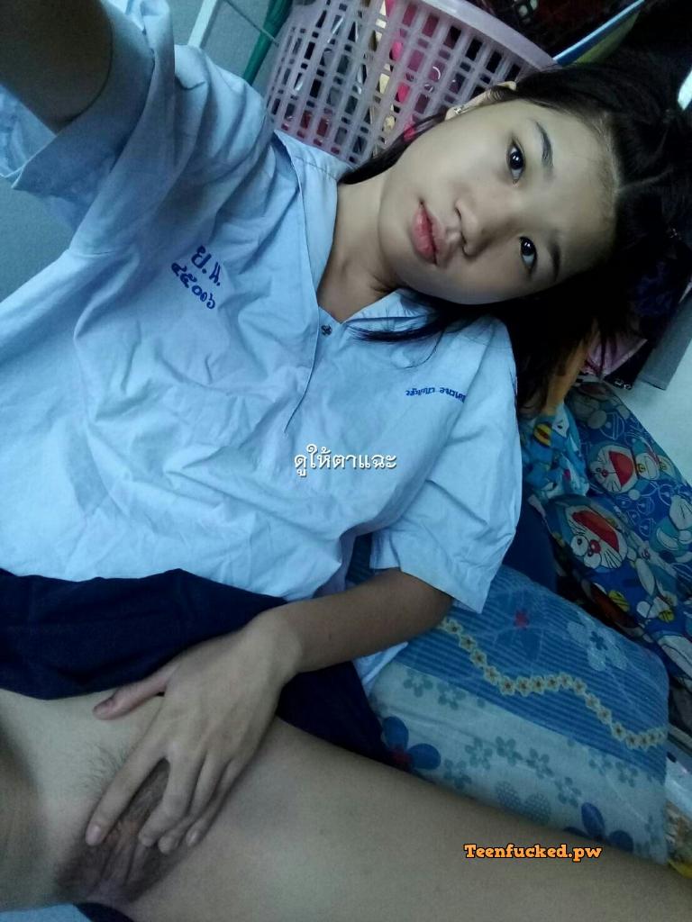 YUXT1Qkmnn4 wm - Hot thai school girl selfie Expose pussy 2020