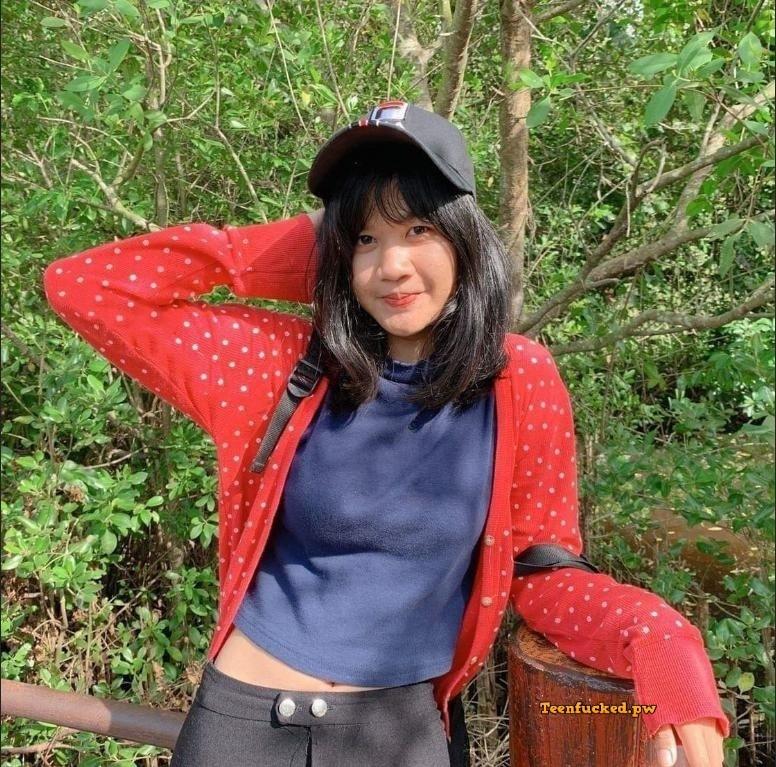 bTTHXEcX8CI wm - Thai teen girl selfie open breasts 2020