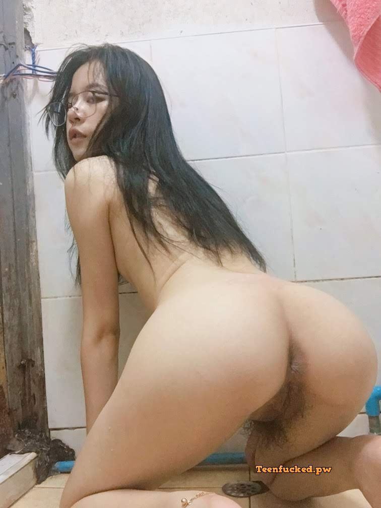 dyz3IHj0m80 wm - 27 Beautiful amateur selfie girl naked in the bathroom show pussy 2020