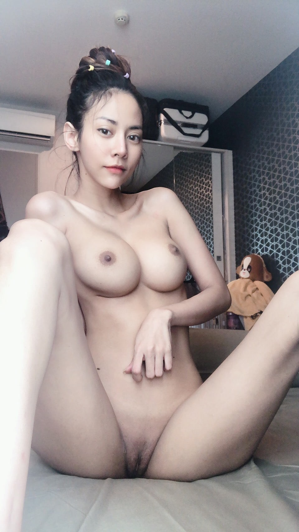 F546H9lW NI - Beauty nude girl big tits sexy pussy 2020