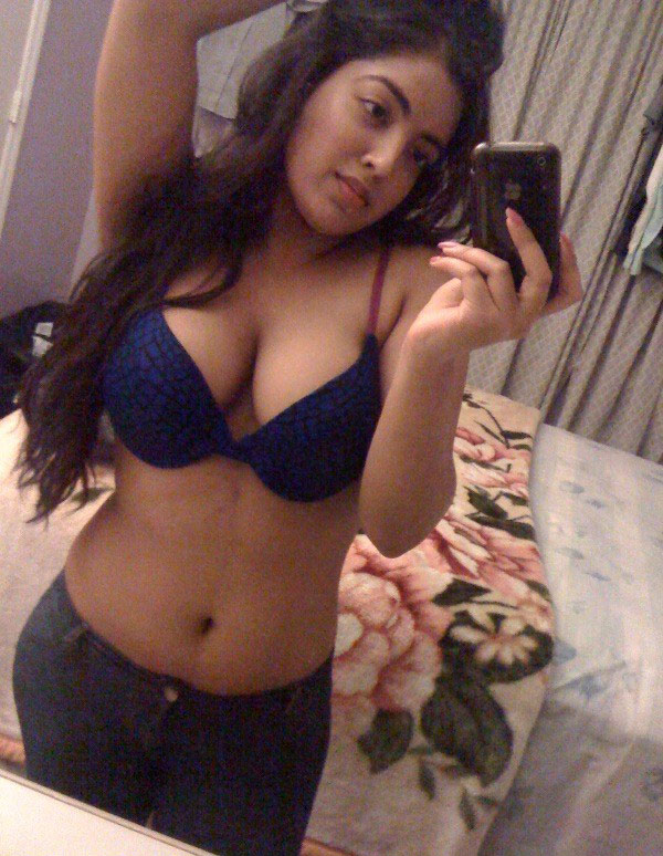 99a587a182172fe25f17f5152166676f - Indian Girl Rachna Showing Her Big Boobs with iphone