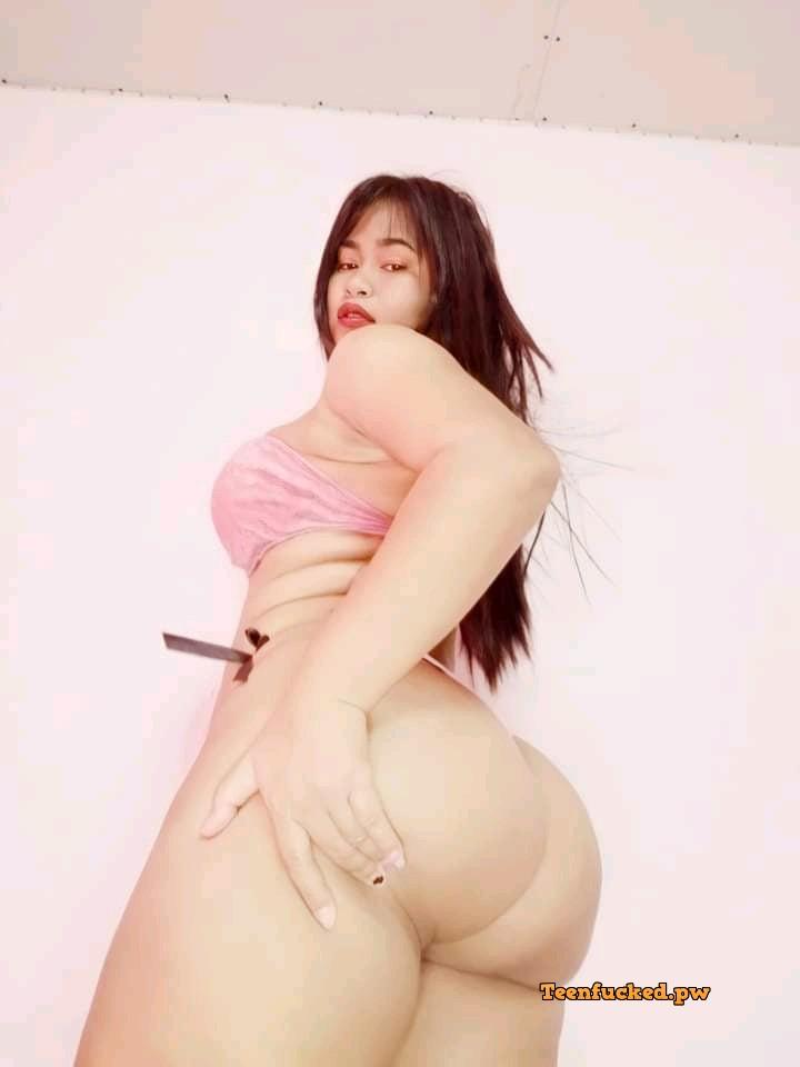 ri2b YpcBog wm - Sexy & hot thai girl big booty 2020
