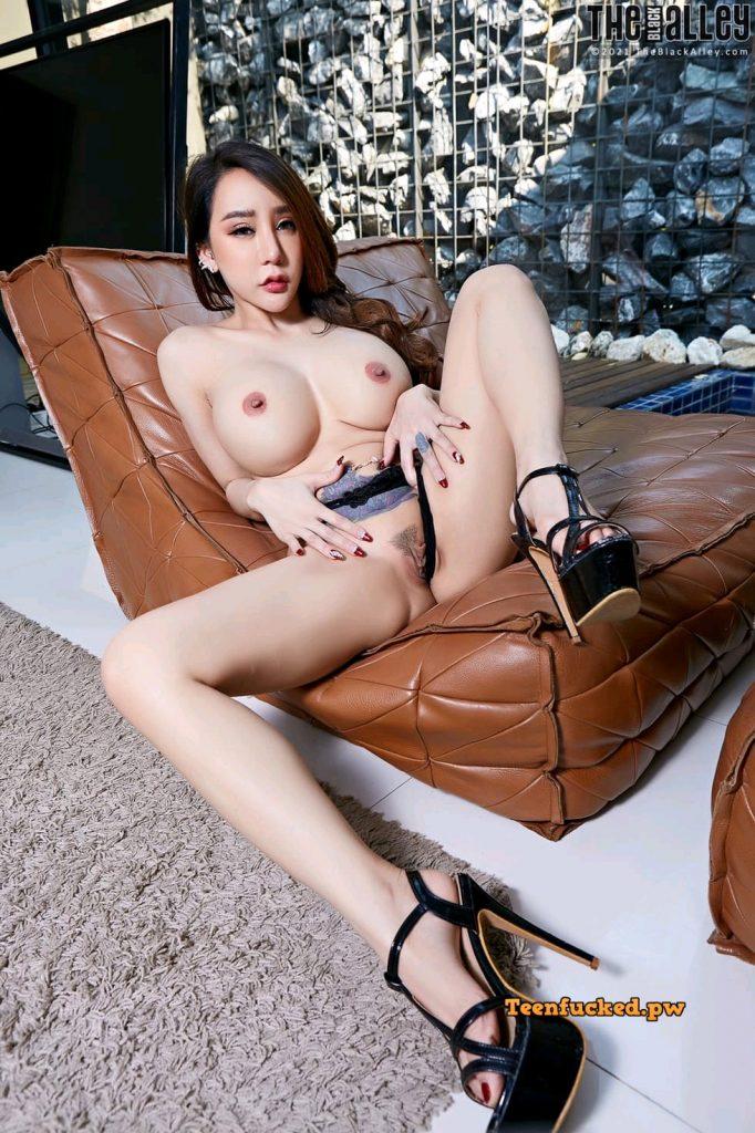 EhJxYoHNZKQ wm 682x1024 - Beauty Thai model big tits hot pussy
